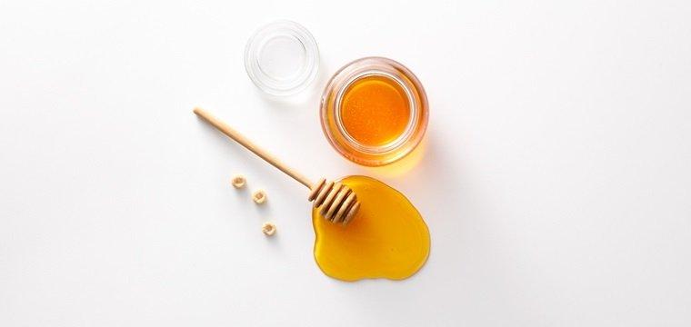 Loại bỏ tế bào chết với mật ong